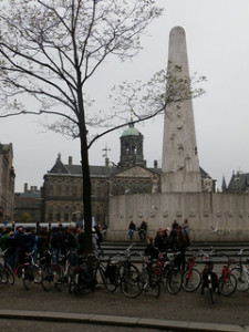 piazza-dam-amsterdam
