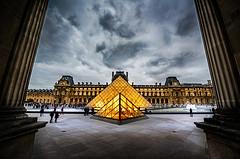 piramide-louvre-parigi