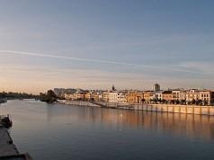Il fiume Guadalquivir che attraversa la città di Siviglia
