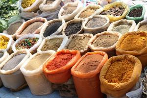 Sacchi contenenti spezie indiane